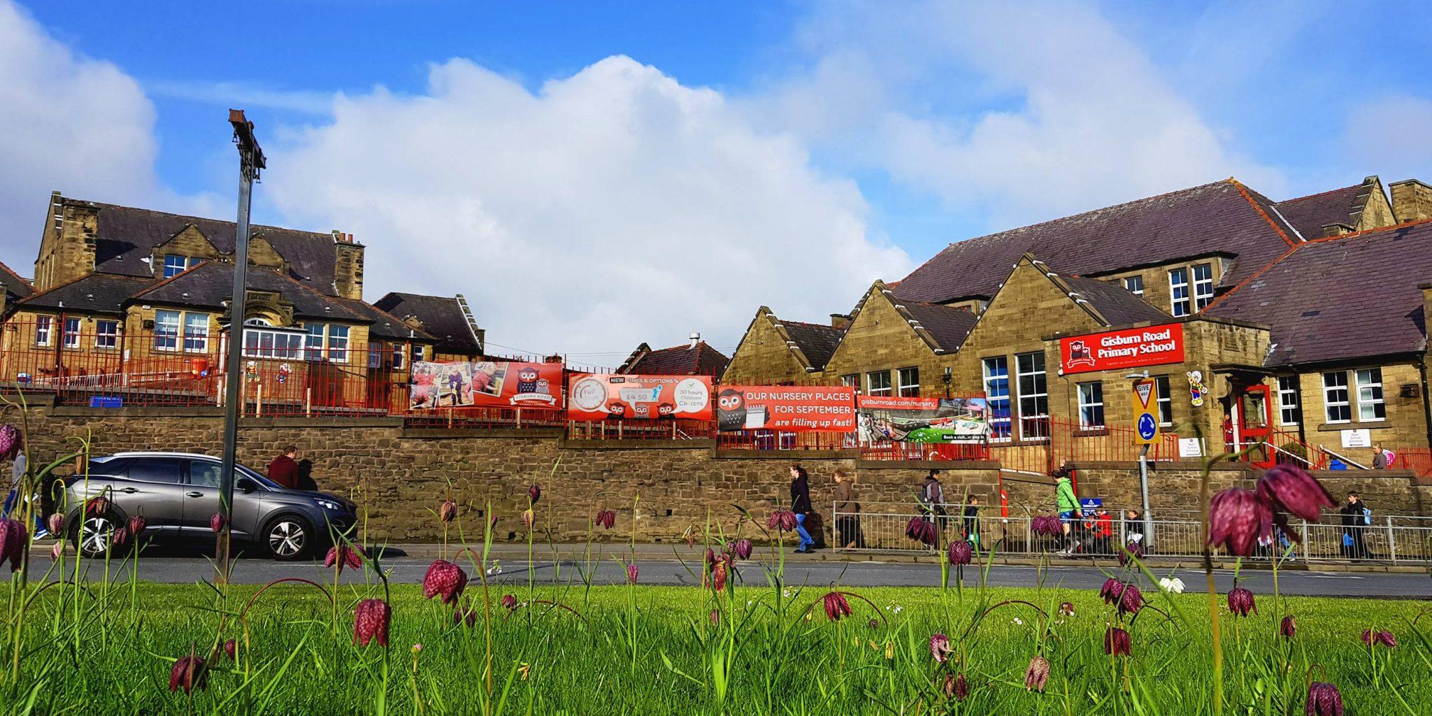 barnoldswick-gisburn-road-school-from-town-green